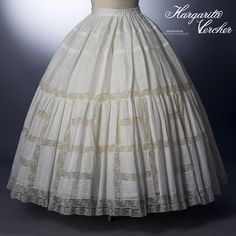 Margarita Vercher enagua Mónica Hoop Skirt, Modern Victorian, Couture Outfits, Christening Gowns, Heirloom Sewing, Sewing Hacks, Sewing Tips, Little Dresses, Vintage Sewing Patterns