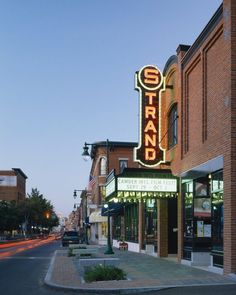 10 Unforgettable Theaters in Maine - The Strand Theater, Rockland