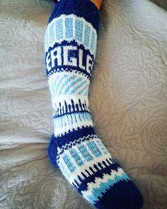 7veljestä langoista  tiimin väreissä sukat #eaglesladies