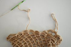 DMMU: Gratis haakpatroon: Boodschappen-netje! Chrochet, Crochet Necklace, Gold Necklace, Knitting, Jewelry, Fashion, Bags, Peace, Crochet