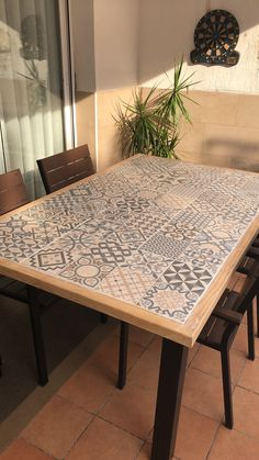 Custom Wood Furniture, Chalk Paint Furniture, Steel Furniture, Diy Furniture, Dining Table Design, Dinning Table, Patio Table, Azulejos Diy, Tropical Style Decor