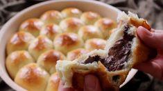 خلية النحل بالشوكولاتة الذائبة - Chocolate Honeycomb Turkish Recipes, Ethnic Recipes, Sweet Bread, Pain, Waffles, Yummy Food, Sweets, Breakfast, Desserts
