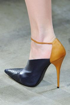 Narcisco Rodriguez Fall 2013 RTW Collection