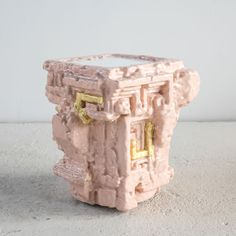 For 'Unhomely', his first major solo exhibition at Friedman Benda in New York, American designer Chris Schanck has produced a series of 15 pieces where furniture enters in an otherworldly dialogue with art, punctuated by references to fantasy and scien...