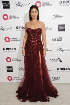 "Celebs Wearing Marsala, The 2015 Pantone Color Of The Year: ""Scandal"" star Bellamy Young stunned in a sexy, strapless marsala gown by Tony Ward at the Elton John AIDS Foundation Oscar party in West Hollywood, Calif., on Feb. 22, 2015."