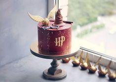 Harry Potter Desserts, Gateau Harry Potter, Cumpleaños Harry Potter, Harry Potter Birthday Cake, Harry Potter Poster, Cute Birthday Cakes, Harry Potter Wedding, Harry Potter Theme Cake, Harry Potter Cake Decorations