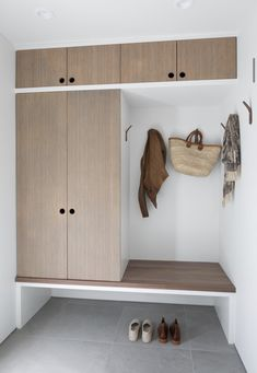 By reconfiguring the main areas, the designer was able to incorporate a mudroom area with custom bamboo built-ins. eingang Geodesic Dome Cabin Renovation by Jess Cooney Home Entrance Decor, House Entrance, Home Decor, Wood Plank Tile, Bamboo Building, Geodesic Dome Homes, Flur Design, Design Design, Dome House
