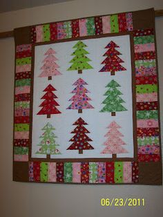 Colleen's Quilting Journey: Christmas Quilt Show Entry - Oh, Christmas Tree!!