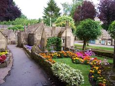 Bourton-on-the-Water.