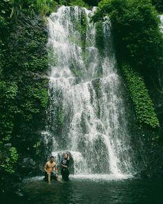 Objek wisata di Banyuwangi tidak ada habisnya. Sekarang baru ramai Air Terjun Jagir di kaki Gunung Ijen.Tempat ini tidak terlalu luas, tapi pemandangan alam yang asri dan air terjun yang menyegarkan dapat menjadi pilihan tempat untuk refreshing. Tempat wisata ini memang baru terkenal di kalangan masyarakat sekitar saja, belum seterkenal Gunung Ijen yang kecantikannya sudah terdengar hingga ke mancanegara. Namun, tempat wisata lokal seperti inlah yang perlu dilestarikan, selain dapat menjadi mat Niagara Falls, Waterfall, Tours, Nature, Travel, Outdoor, Outdoors, Naturaleza, Viajes