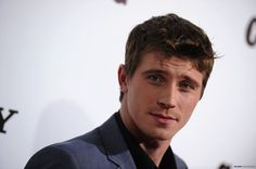 Garrett Hedlund has signed on for a role in the Angelina Jolie-helmed drama Unbroken for Universal. Description from thefemalecelebrity.com. I searched for this on bing.com/images