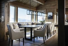 The design of this chalet in Norway was created for people who like to go to the mountains in the winter, but are not ready to sacrifice the comfort and ✌Pufikhomes - source of home inspiration Cabin Interior Design, Chalet Interior, Best Interior, House Design, Modern Rustic Homes, Dining Room Inspiration, Cabin Homes, Beautiful Interiors, Furniture Design