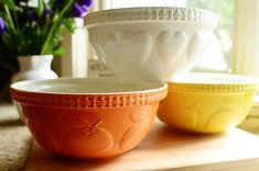 Mason Cash Bowls by Ree Drummond / The Pioneer Woman, via Flickr