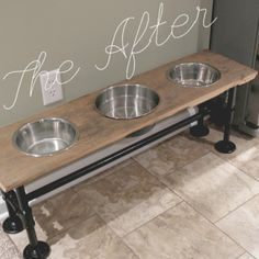 raised industrial dog feeder tutorial diy how to pets animals repurposing upcycling woodworking projects Diy Dog Gate, Diy Dog Bed, Raised Dog Feeder, Raised Dog Bowls, Elevated Dog Bowls, Dog Feeding Station, Dog Station, Zack E Cody, Dog Rooms