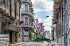 #ContourAirSE: Cars on Streets in Cuba #upplevelseresor #pin #rundresor #paketresor #visitcuba