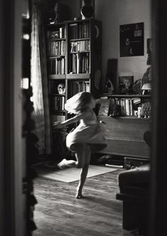 """Lena Kaplevska, Lithuania - Finalist in the monthly photo contest """"Dance"""""""
