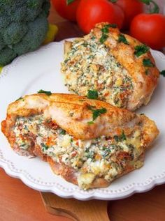 The boss in his kitchen.-): Balkan chicken fillet (with feta cheese, sun-dried tomatoes, parsley) Cooking Recipes, Healthy Recipes, Snacks Für Party, Best Appetizers, Food Design, Food Inspiration, Chicken Recipes, Good Food, Food Porn