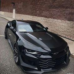 fmoig : @keriaah_ 🎲💜 Camaro Car, Chevrolet Camaro, Corvette, Chevelle Ss, Top Luxury Cars, Pretty Cars, Sweet Cars, Amazing Cars, Bugatti Veyron