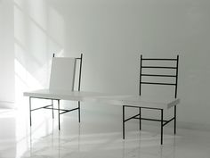Ernesto Oroza. Provisional bench. Aventura, 2007.  Metal bar chairs, wood and Formica.