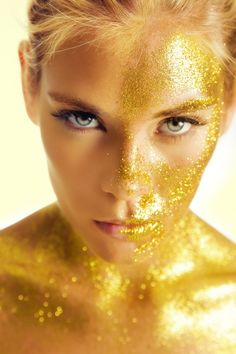 Body Paint Gold and Glitter