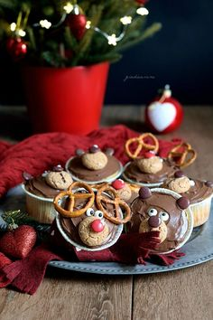Christmas bear and reindeer muffin – In cucina con Giada e Sara Muffins, Sweet Pic, Reindeer, Christmas Time, Yogurt, Cupcake, Renna, Snacks, Table Decorations