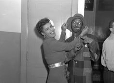 John W. Mosley - Singer Billie Holiday jokes backstage with Spizzy Canfield, 1946 Billie Holiday, Lady Sings The Blues, Bless The Child, Louis Armstrong, Gone Girl, Smooth Jazz, Miles Davis, Jazz Musicians, Jazz Blues