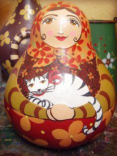 Caramel e seu gato branco... | by Madu Lopes