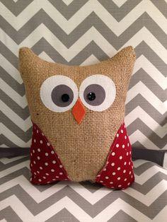 Owl pillow burlap by thelittlegreenbean