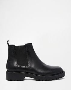 Vagabond Kenova Black Leather Chelsea Ankle Boots