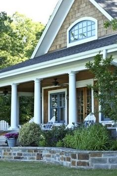 Love the exterior shingle style and Low Wall:)