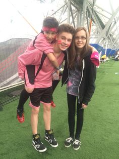 Leondre Devries (Bars and Melody) and Harvey