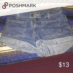 Cute brand new high waisted Levi's Mom shorts. Mint condition. Retro Levi's Shorts Jean Shorts