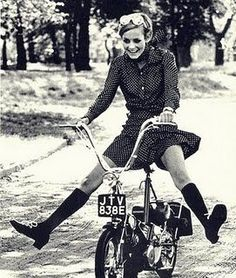 Captured: twiggy and the grand time that is riding a bike.