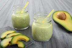 This Avocado Pear Smoothie is delicious! Added loose cup spinach, cup almond milk, apple, cup oat bran, 1 packet stevia for a complete breakfast smoothie! Avocado Smoothie, Best Smoothie, Smoothie Detox, Juice Smoothie, Smoothie Drinks, Healthy Smoothies, Healthy Drinks, Smoothie Glass, Avocado Shake