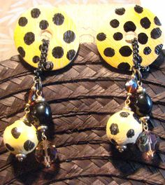 Vintage Funky Wooden Leopard Earrings by AntiqueAlchemists on Etsy, $15.00 Alchemy, Antiques, Halloween, Wood, Artist, Earrings, Etsy, Vintage, Decor