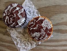 Best Baking Hacks - Lace Stenciled Cupcakes - DIY Cooking Tips and Tricks for Baking Recipes - Quick Ways to Bake Cake, Cupcakes, Desserts and Cookies - Kitchen Lifehacks for Bakers http://diyjoy.com/baking-hacks
