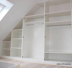indbygget skab - Google-søgning Loft Storage, Closet Remodel, Bedroom Closet Design, Loft Conversion Rooms, Loft Room, Loft Spaces, Build A Closet, Closet Layout, Master Bedroom Makeover