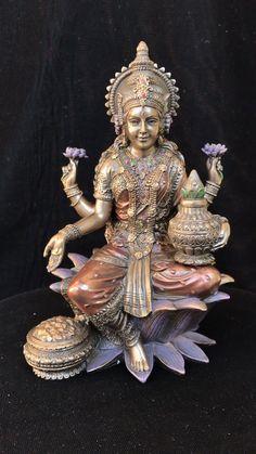 Lakshmi Statue, Krishna Statue, Durga Images, Lakshmi Images, Indian Goddess, Goddess Lakshmi, Shri Yantra, Saraswati Devi, Illusions