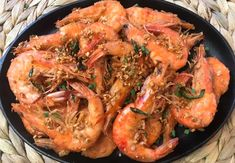 Salt and Pepper Shrimp restaurant-style recipe is so easy to make with just few ingredients. This simple and delicious Salt and Pepper Shrimp is a quick, less than 20 minutes recipe. An amazing Asian inspired shrimp recipe for you to make at home.