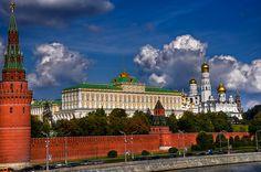 Moscow Kremlin by Andrey Avtomonov, via Flickr