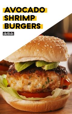 Avocado Shrimp Burgers = The Light Summer Dinner You NeedDelish.Change ingredients to make low carb. Lettuce leaf instead of bun for sure Avocado Burger, Shrimp Avocado, Seafood Recipes, Dinner Recipes, Cooking Recipes, Cooking Pork, Avocado Recipes, Healthy Recipes, Vegetarian Recipes