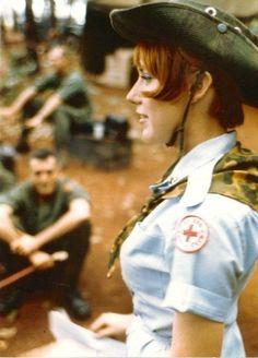 US Army nurse Janet Small Woods, Vietnam I believe this is a Red Cross nurse, the uniform is not Army. Vietnam War Photos, Vietnam Veterans, Military Women, Military History, War Novels, Indochine, Vietnam History, Vintage Nurse, Modern History