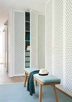 Interior decorating and home design ideas to make your place a better. Living room, bedroom, kitchen, and other rooms inspirations. Door Design, House Design, Sweet Home, Wardrobe Design, Closet Doors, Shoe Closet, Front Closet, Double Closet, Wardrobe Doors