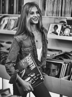 70s Denim Style: Anna Selezneva Goes Retro for Mixt(e)