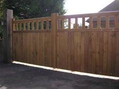 Wooden Gates - Oak Hentons www.crockettsgates.co.uk