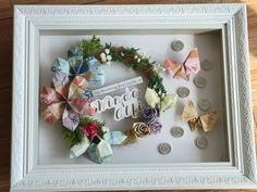 Money Frame, Creative Money Gifts, Money Flowers, Wedding Frames, Diy Box, Flower Frame, Quilling, Wedding Gifts, Diy And Crafts