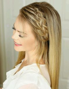 15+ Trendy Long Prom Hairstyles for Girls to Get Adorable Look on Your Prom Day.