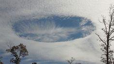 Nuvens estranhas com buracos cobrem o céu dos Estados Unidos