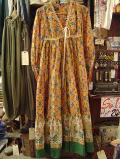 Vintage Gunne Sax. I can see myself rocking this with a pair of tall boots.