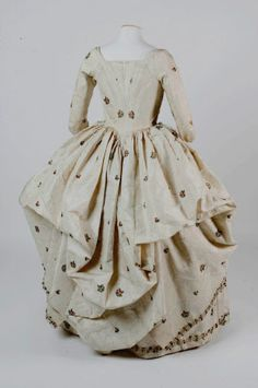 Polonaise robe National Trust Inventory Number 602788 Date	1760 Materials	Silk Collection	Springhill, County Londonderry (Accredited Museum)